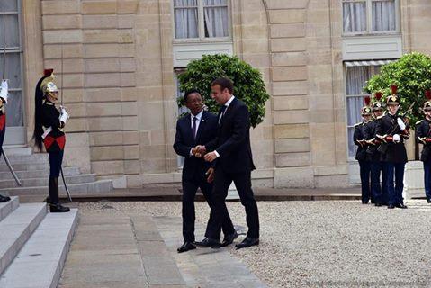 Macron Hery1