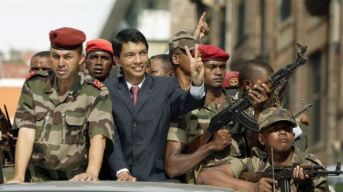 Rajoelina et l'armée 2009